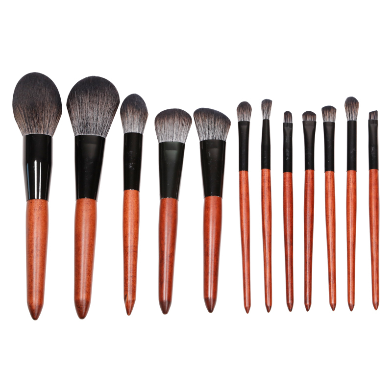 Superior quality 12 pieces makeup brush set with wooden handle