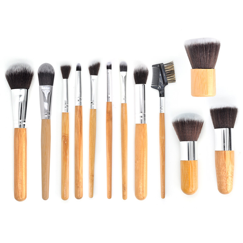 Adequate quality 12 pieces makeup brush set with wooden handle